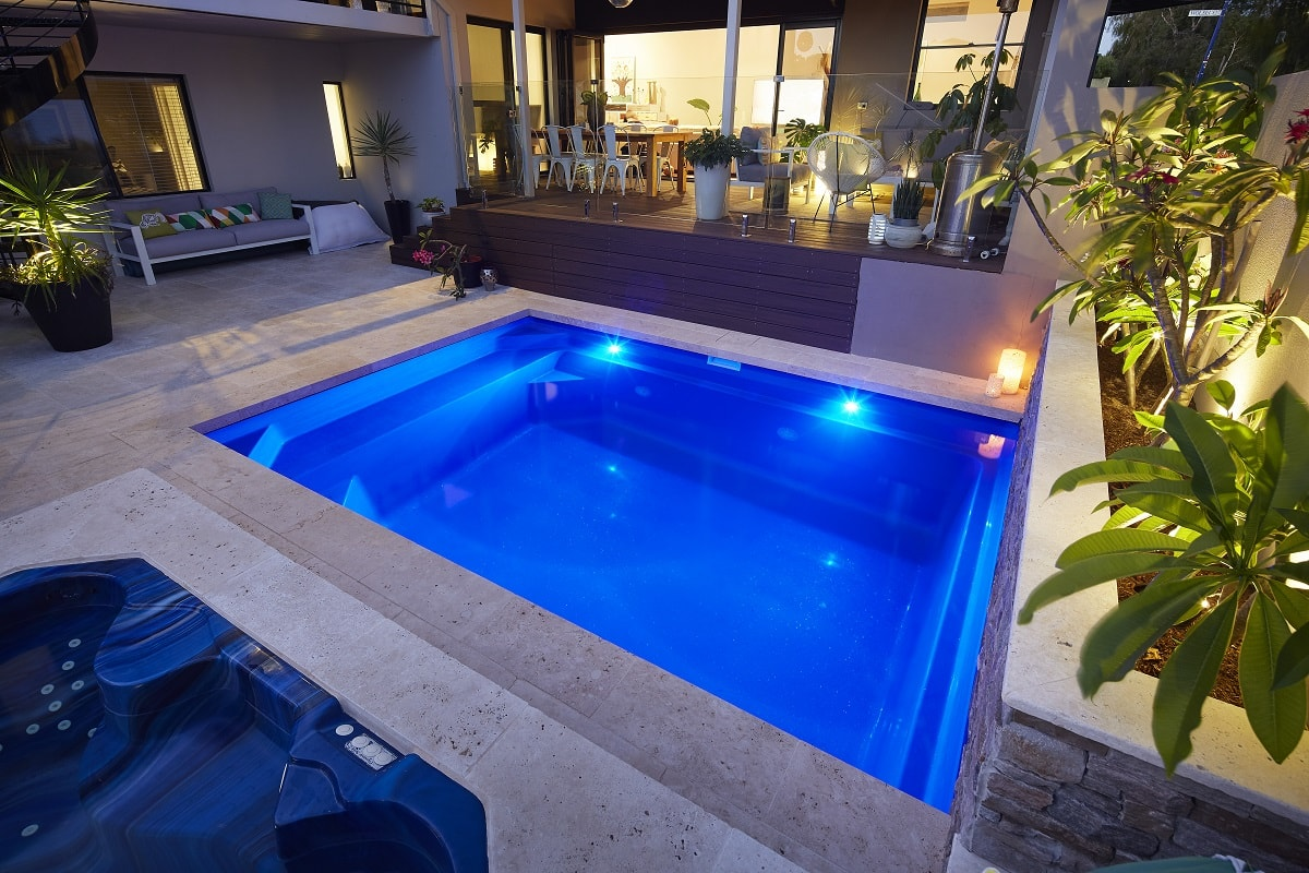 4-7m-plunge-pool-royal-blue-shimmer-east-fremantle-2-min