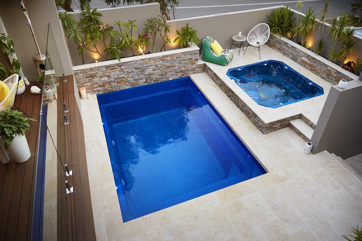 4-7m-plunge-pool-royal-blue-shimmer-east-fremantle-5-min