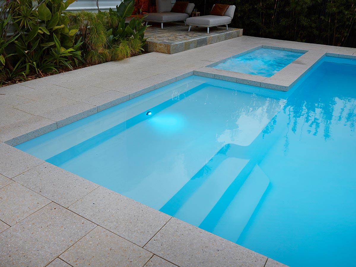 resort-8m-pool (2)